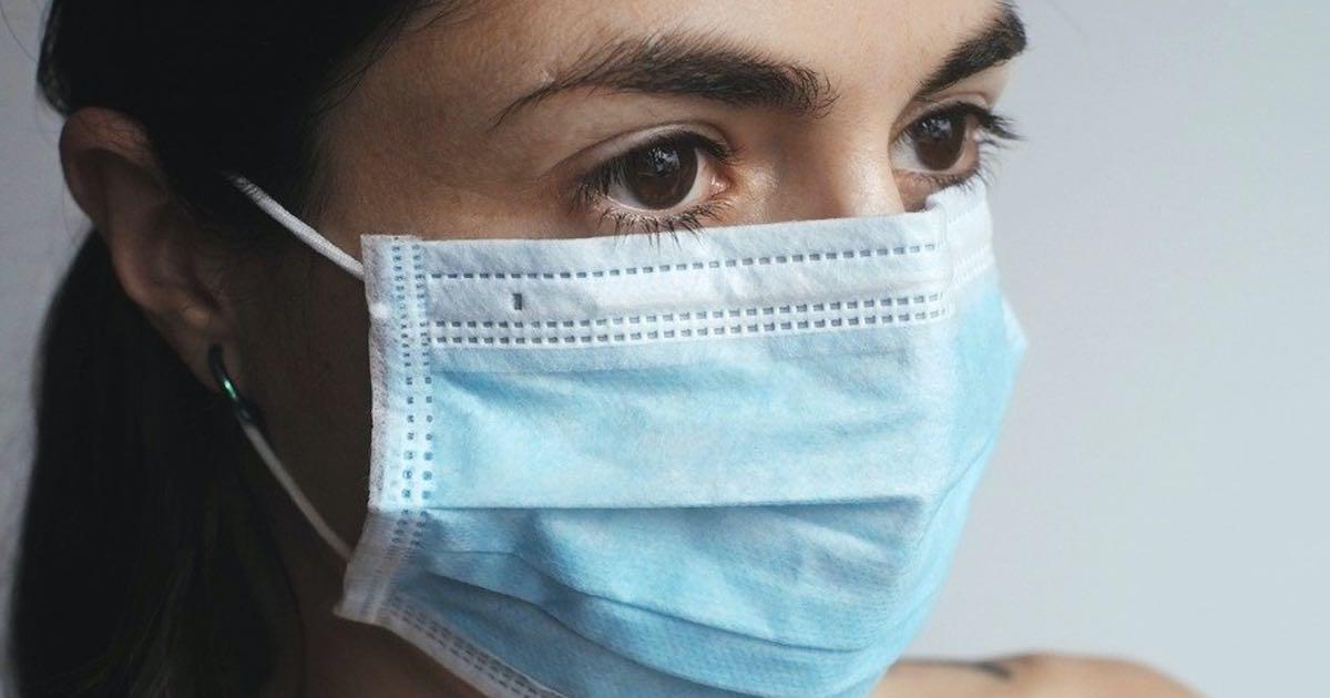 Mascherine, in aumento i casi di irritazioni sul viso