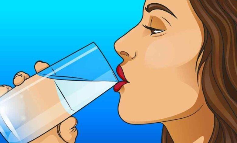 Bere acqua al momento giusto