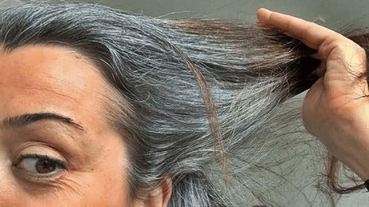 4 utilizzi delbicarbonato di sodio per coprire i capelli bianchi e grigi