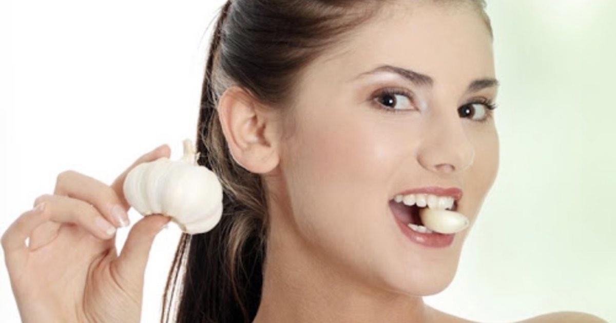 Perché mangiare aglio a stomaco vuoto fa bene alla salute?