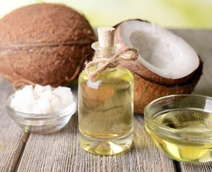 l'olio di cocco per sembrare più giovane