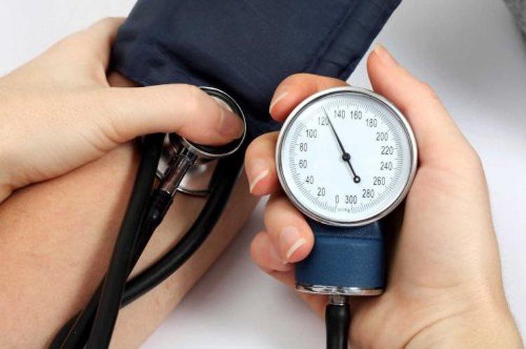 I rimedi naturali che aiutano ad abbassare la pressione